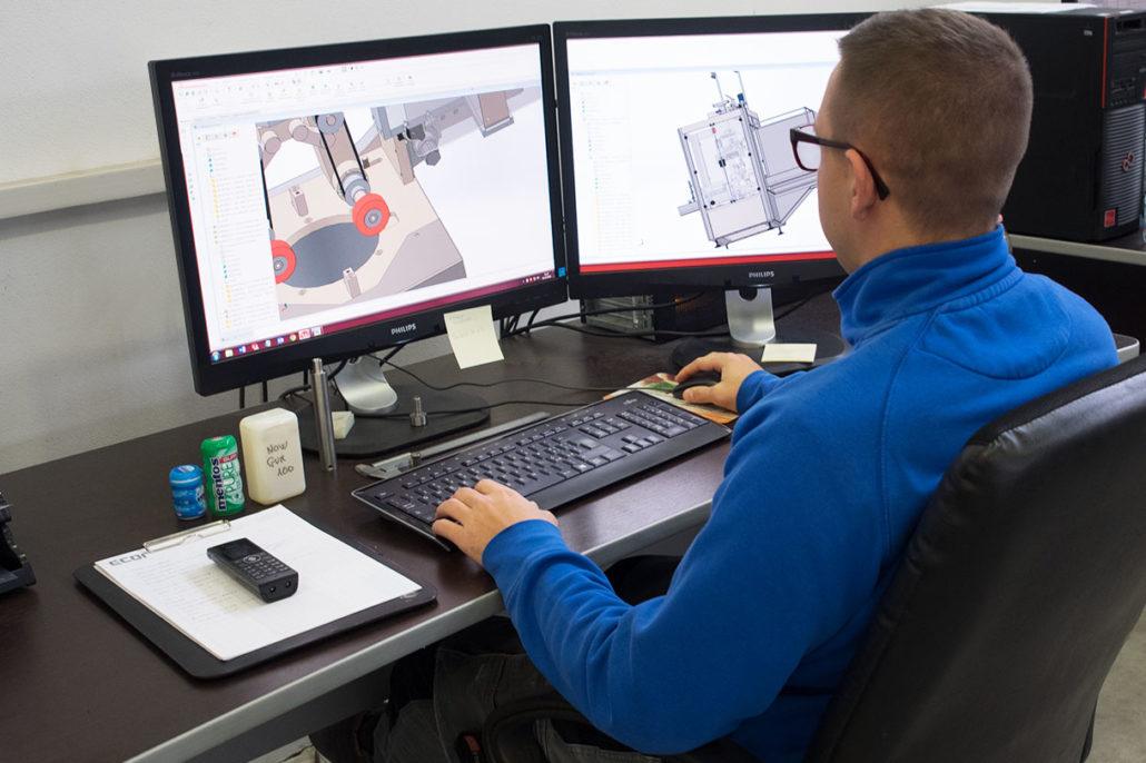 In Ufficio Tecnico : Reparto tecnico clevermachines